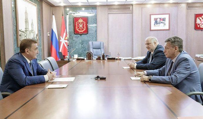 Алексей Дюмин и Рифат Сабитов обсудили информационную поддержку юбилея Тульского кремля