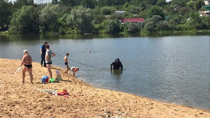 Тульские спасатели полезли в водоёмы, в которых пока запрещено купаться