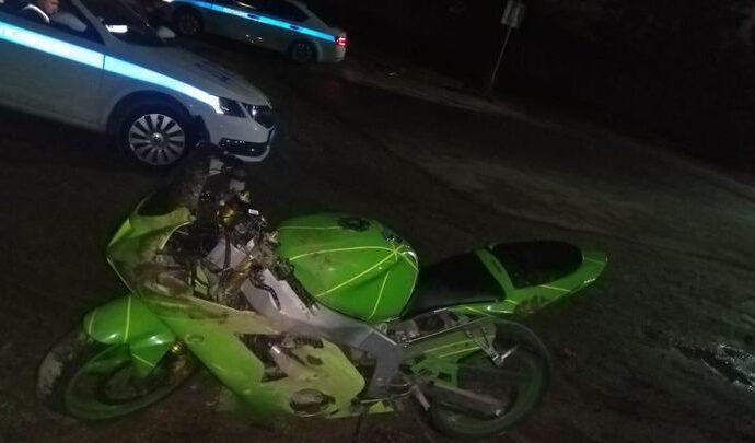 Мотоциклист, попавший в больницу после ДТП, собрал «урожай» протоколов