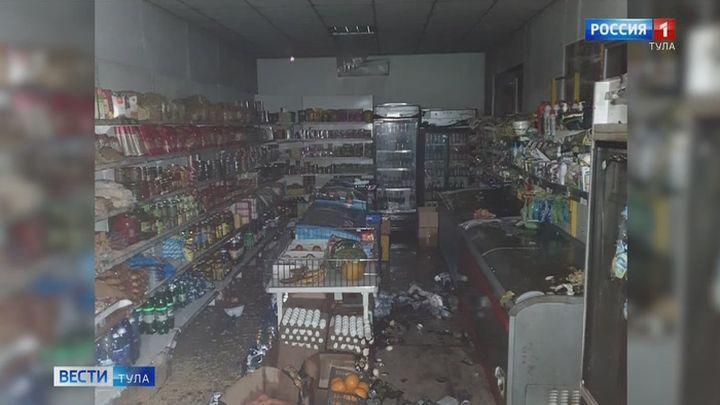 Полицейские в Богородицке установили подозреваемого в поджоге магазина
