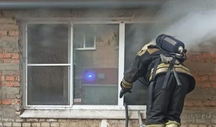 Прохладный понедельник стал жарким для тульских пожарных