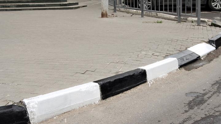 Тротуар и бордюр в Заречье (Тула)