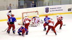Академия Михайлова, хоккей