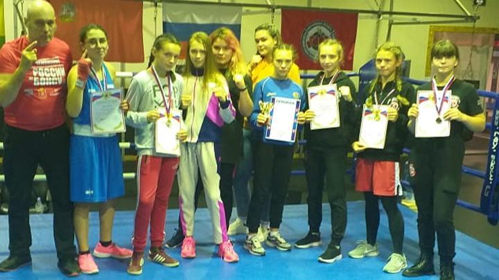 Тульские боксёрши завоевали 10 медалей в Красноармейске