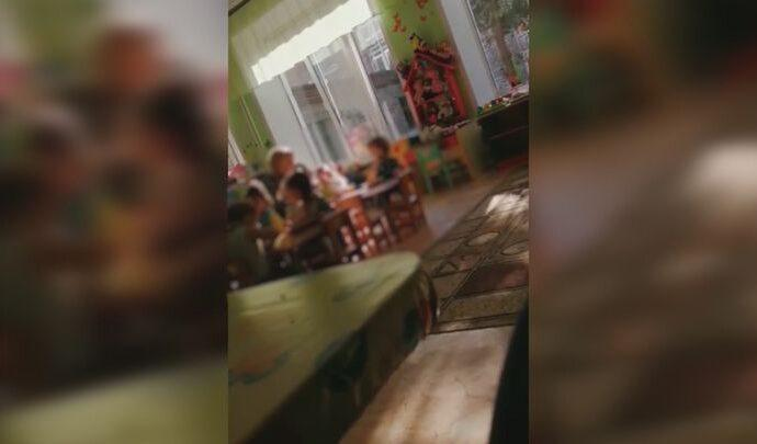 По факту жестокого обращения в детском саду Узловой начато служебное расследование