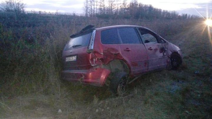 В Плавском районе «Форд» улетел в кювет