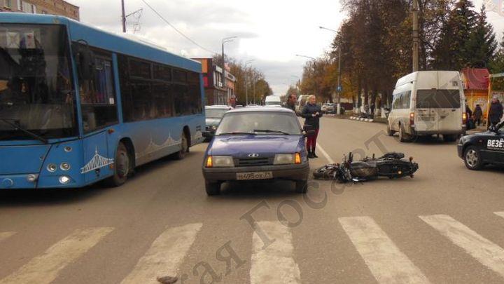 В Донском подросток на мотоцикле столкнулся с «Одой»