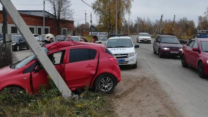 После встречи со столбом автоледи попала в больницу