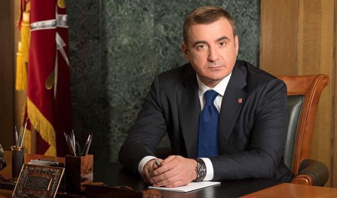 Алексей Дюмин поздравил педагогов Тульской области