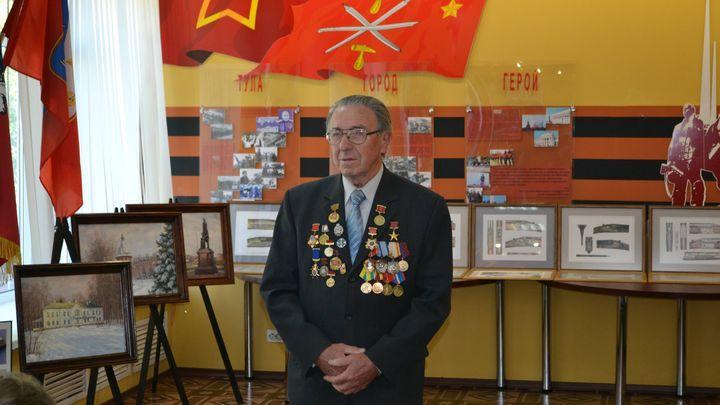 В Туле проходит выставка картин Ивана Щербино