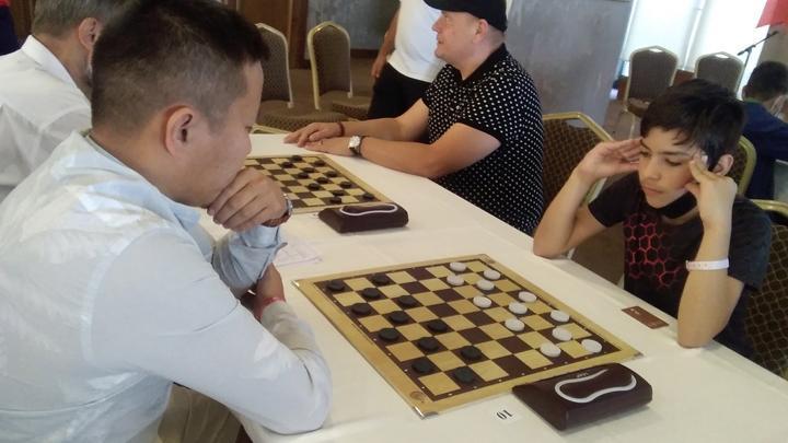 Тульский шашист Арсений Цынов - победитель первенства мира