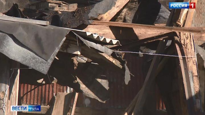 В Привокзальном округе снесли опасный дом