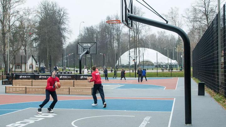 В Новомосковске открылся второй в регионе Центр уличного баскетбола