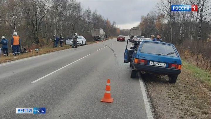 В результате ДТП с большегрузом на автодороге Тула-Белев погиб человек