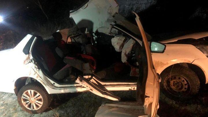 Ночью под Новомосковском погиб водитель перевернувшейся машины
