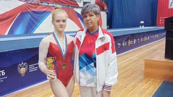 Ирина Комнова - бронзовый призёр чемпионата России по спортивной гимнастике