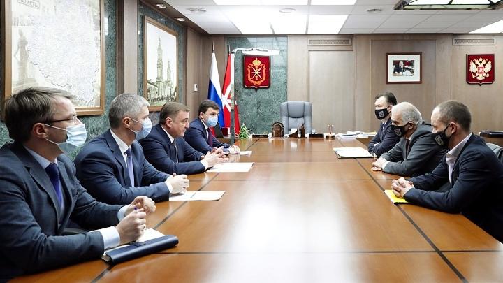 Рабочая встреча губернатора Алексея Дюмина с руководителями тульского «Арсенала»