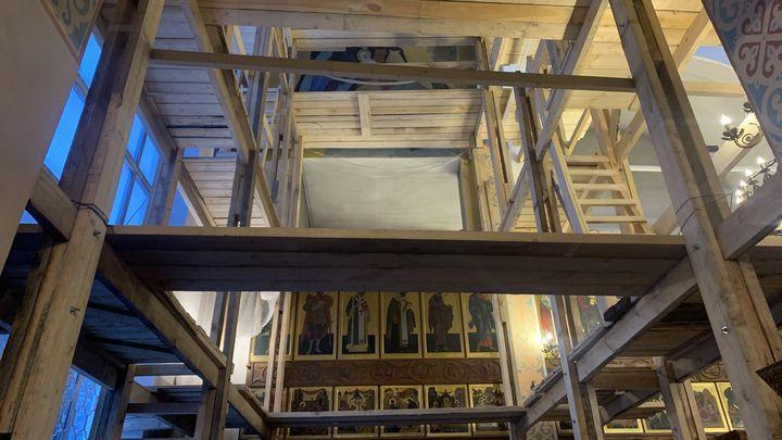 В храме святителя Алексия в Туле иконописцы начали роспись стен