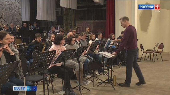 Губернаторскому духовому оркестру исполнилось 25 лет