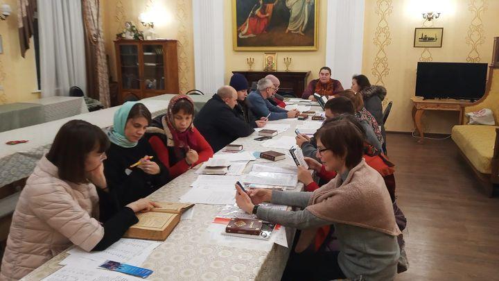 В храме Сергия Радонежского в Туле прихожанам преподают церковнославянский язык