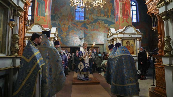 В Новомосковске отслужили литургию в честь 22-летия со дня освящения главного храма города