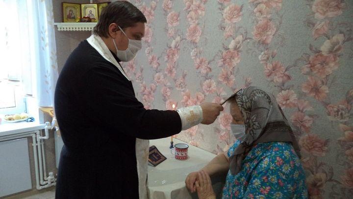 Ефремовские священнослужители отправились по домам