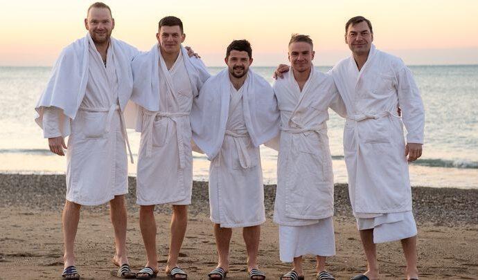 Футболисты «Арсенала» на Крещение окунулись в Средиземное море