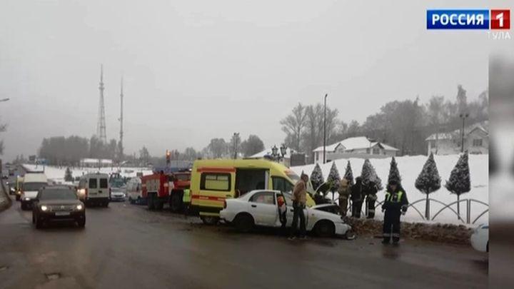В Туле в ДТП с машиной скорой помощи пострадали люди