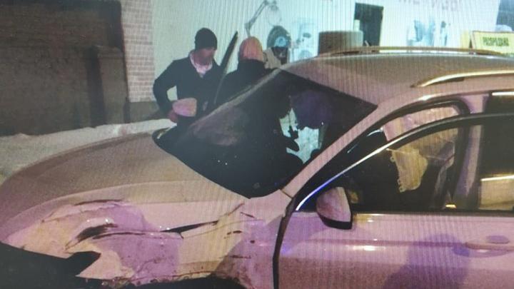 В Щёкино Ford «догнал» Volkswagen и вылетел на встречку