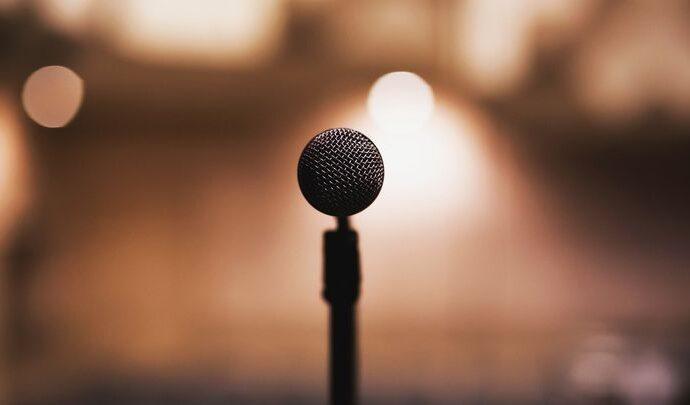 Известный американский музыкант продаёт тульские микрофоны