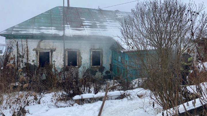 В деревне Старое Петрищево в огне погиб мужчина