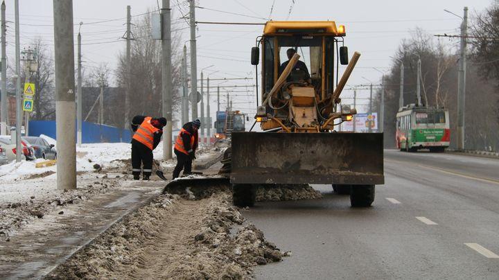 Снег с улиц Тулы вывозят в усиленном режиме
