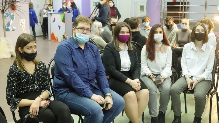 Тульских студентов и школьников порадовали стипендиями
