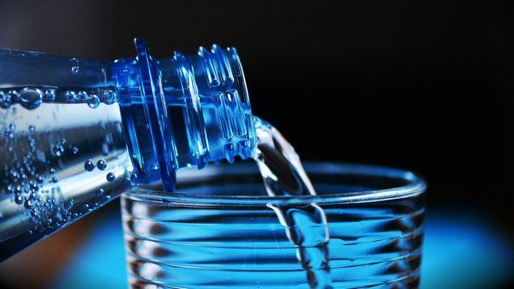Какую бутилированную воду мы пьём