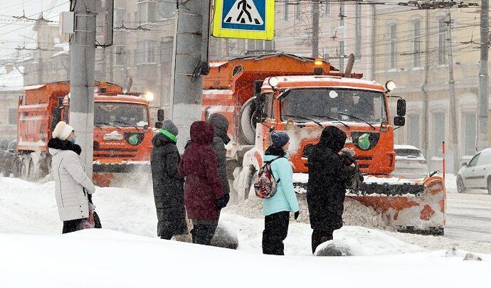 Ликвидация последствий снегопада в Туле