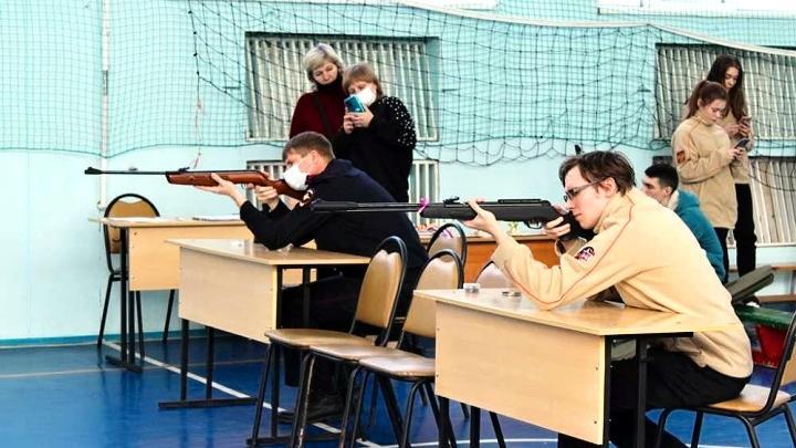 В Новомосковске выявили самих метких среди представителей «мужественных профессий»