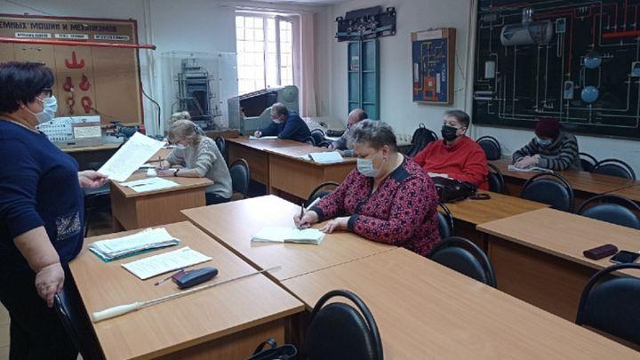 В Тульской области началось обучение тех, кому 50+