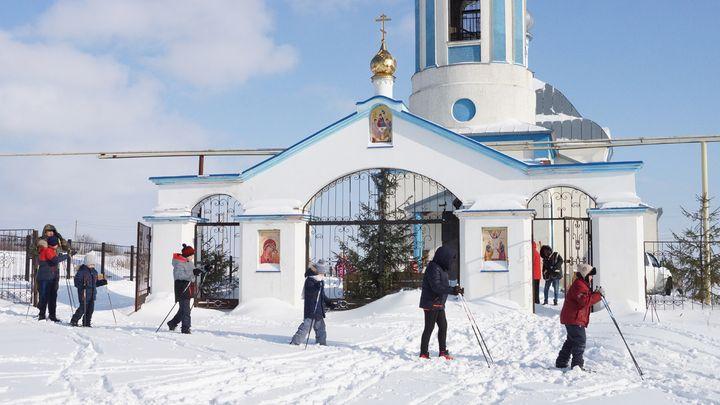 Жители Куркинского района отправились в лыжный поход «От храма к храму»