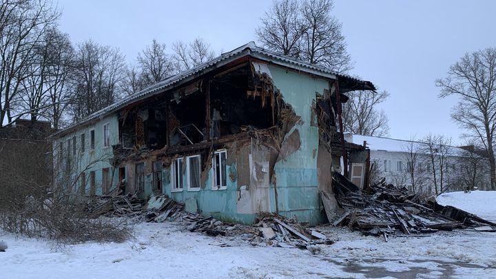 В Алексине женщина выпрыгнула из окна горящего дома