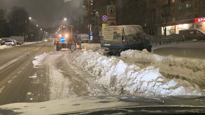 С центральных улиц Тулы продолжился вывоз снега