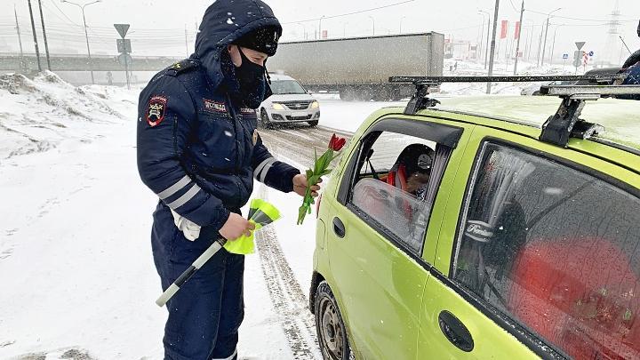 На дороги Тулы вышел «цветочный патруль»