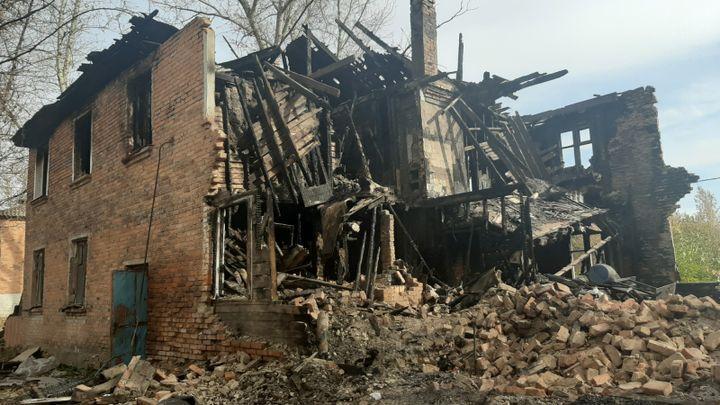 Жители аварийных бараков из Шахтинского переехали в новые квартиры