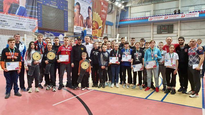 Тульские кикбоксёры привезли 25 медалей с чемпионата и первенства ЦФО