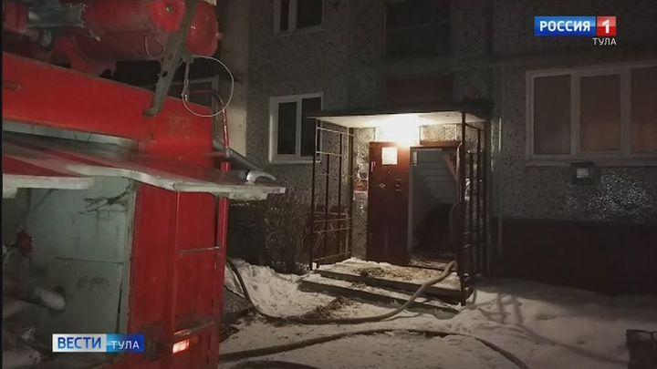 Киреевские спасатели спасли человека из задымленного помещения