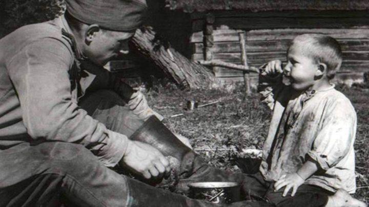 Воловцам предлагают посмотреть на войну через объектив фотокамеры