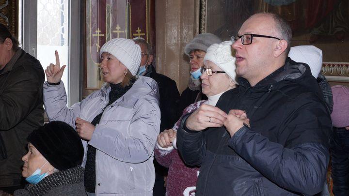 Служба на языке жестов прошла в храме Димитрия Солунского в Туле
