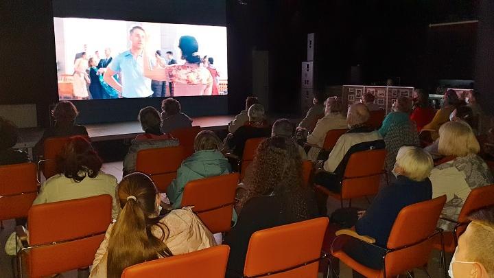 Просмотр фильма «Зоя» в кинозале творческого пространства «Девятка»