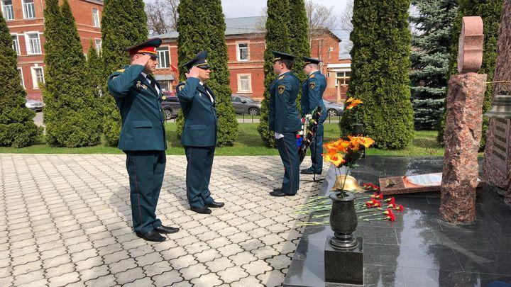 Тульские пожарные почтили память погибших коллег
