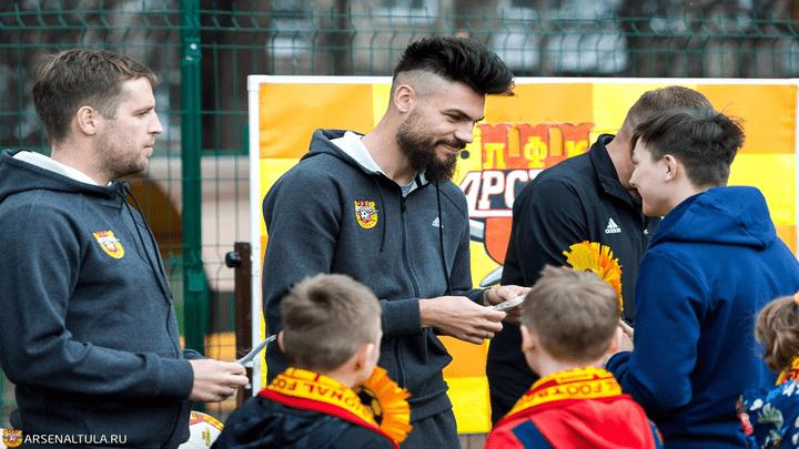Большой футбольный праздник устроили канониры для детей из социально-реабилитационного центра