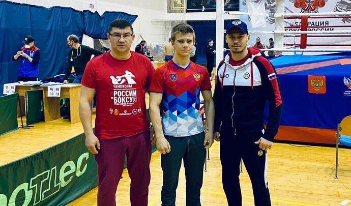 Тульский боксёр Денис Долгополов вышел в полуфинал первенства России